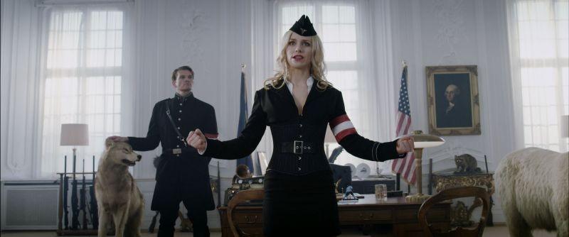 Iron Sky: Julia Dietze e Götz Otto protagonisti del ritorno dei nazisti sulla Terra