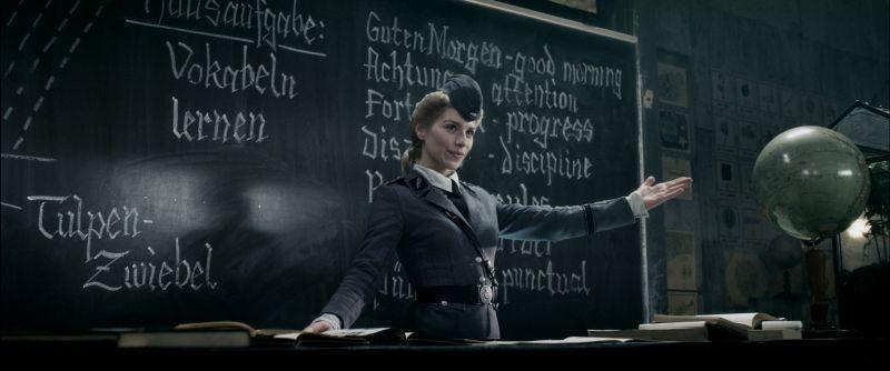 Iron Sky: Julia Dietze in una scena del film