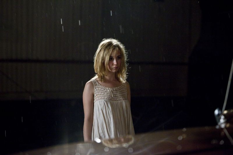 Juno Temple in una scena di Killer Joe nei panni della giovane Dottie Smith
