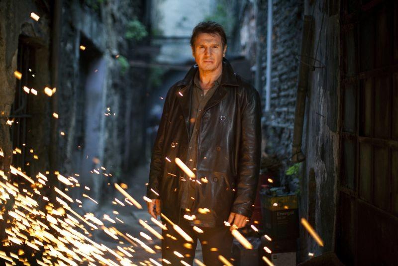 Liam Neeson in un'immagine tratta dall'action thriller Taken: la vendetta