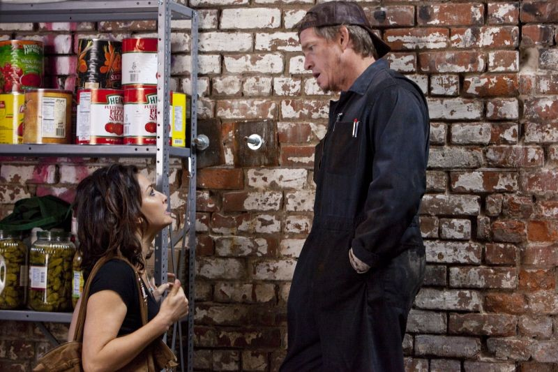 Thomas Haden Church in una scena di Killer Joe insieme a Gina Gershon