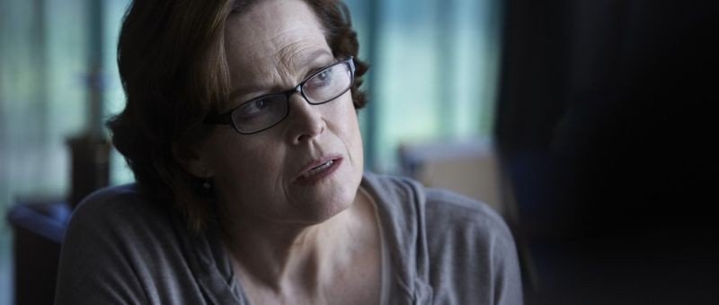 Red Lights: Sigourney Weaver nei panni della studiosa di fenomeni paranormali Margaret Matheson