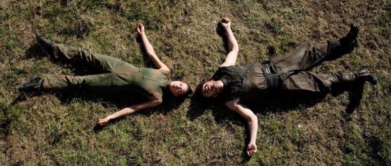 Archeo: Medea Novak e Niko Novak in una suggestiva scena del film