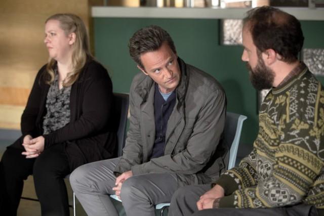 Go On: Sarah Baker, Matthew Perry e Brett Gelman nel pilot della serie