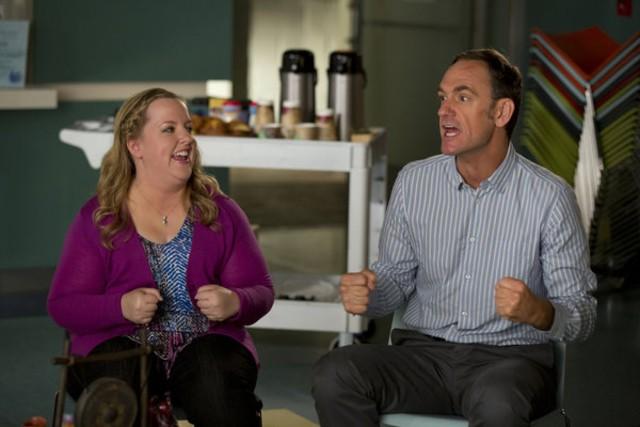 Go On: Seth Morris e Sarah Baker nell'episodio He Got Game, She Got Cats