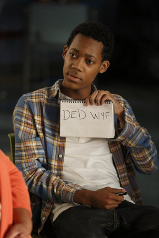 Go On: Tyler James Williams nell'episodio There's No 'Ryan' in 'Team