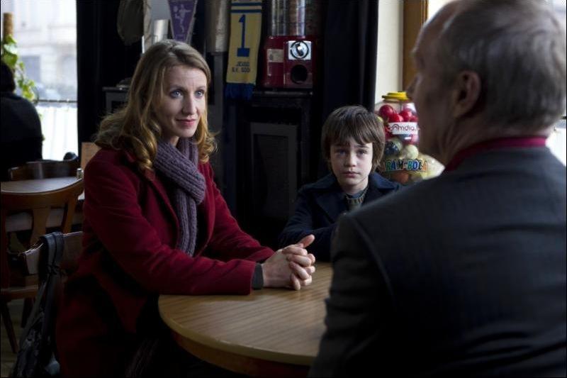 J'enrage de son absence: Alexandra Lamy in una scena con William Hurt e Jalil Mehenni