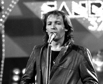 Sanremo 1983: Vasco Rossi durante la sua performance