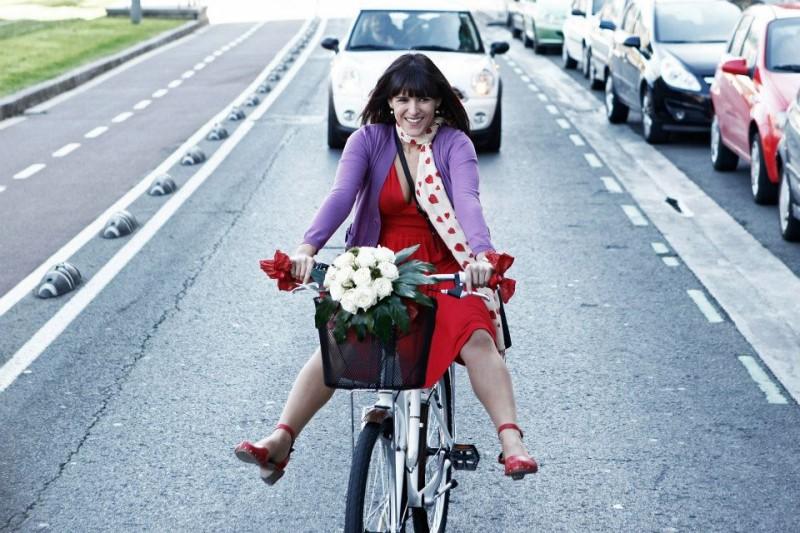 Sara Cozar in una immagine promo della commedia spagnola Bypass