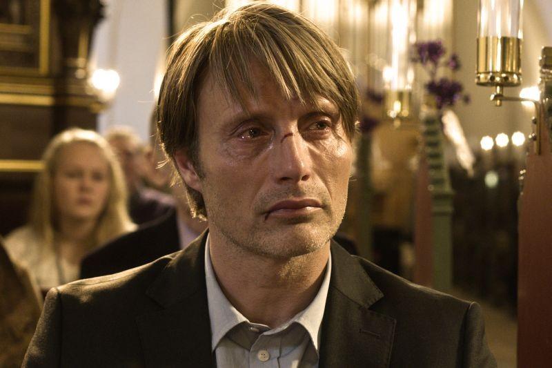 The Hunt: un'intenso sguardo di Mads Mikkelsen tratto dal film