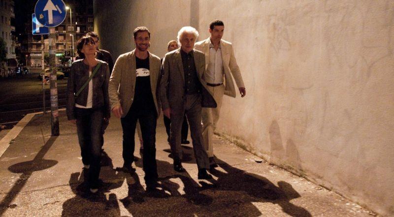 Viva l'Italia: Ambra Angiolini, Raoul Bova, Michele Placido e Alessandro Gassman in una scena