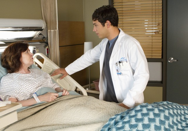 Emily Owens, M.D.: Catherine Barroll e  Michael Rady nell'episodio Emily and ... the Alan Zolman Incident
