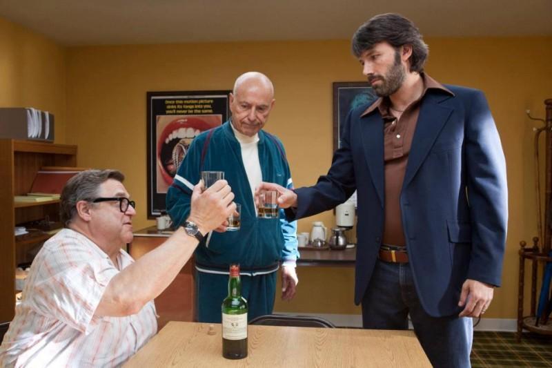 Argo: Ben Affleck, John Goodman ed Alan Arkin stringono un accordo