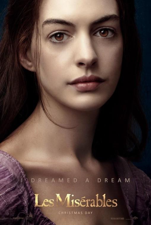 Les Misérables: ecco la nuova locandina che mostra Anne Hathaway nel ruolo di Fantine