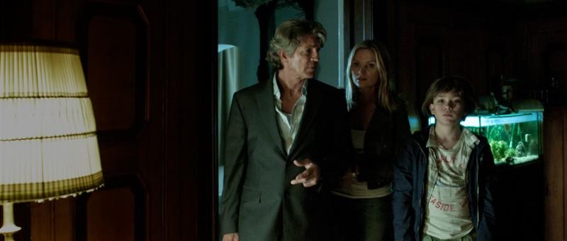 Eric Roberts con Christian Traeumer in The Child, thriller del 2012