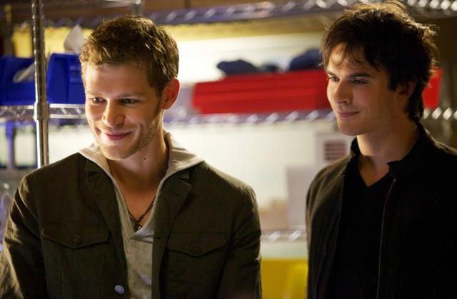 The Vampire Diaries: Joseph Morgan e Ian Somerhalder nell'episodio The Rager