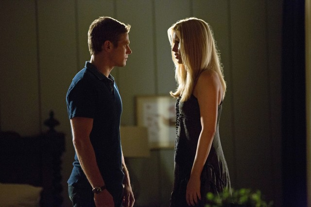 The Vampire Diaries: Zach Roerig e Claire Holt nell'episodio The Rager
