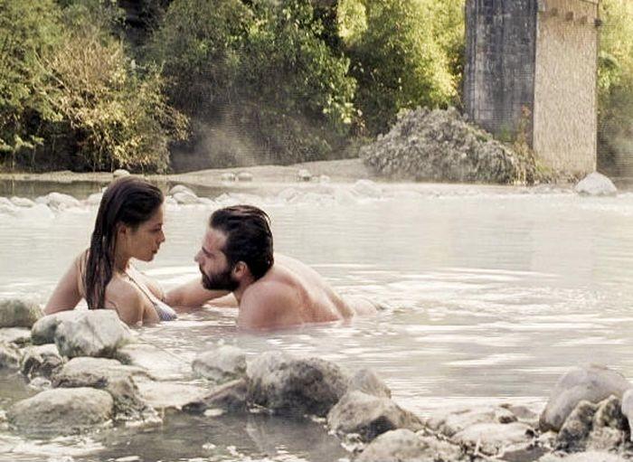 Diane Fleri e Alessandro Bertolucci in una scena di Quell'estate