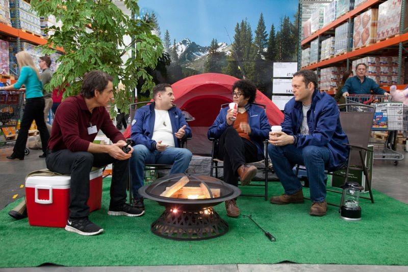 Vicini del terzo tipo: Richard Ayoade, Ben Stiller, Vince Vaughn e Jonah Hill campeggiano in un negozio