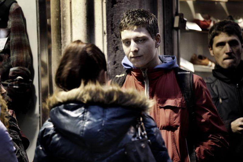 Alì ha gli occhi azzurri: Stefano Rabatti in una scena del film
