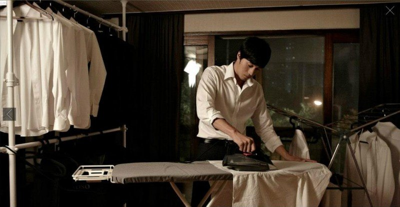 So Ji-Sub impegnato a stirare nell'action thriller coreano Hoi sa won