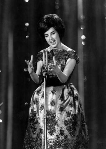 Sanremo 1960, Mina sul palco