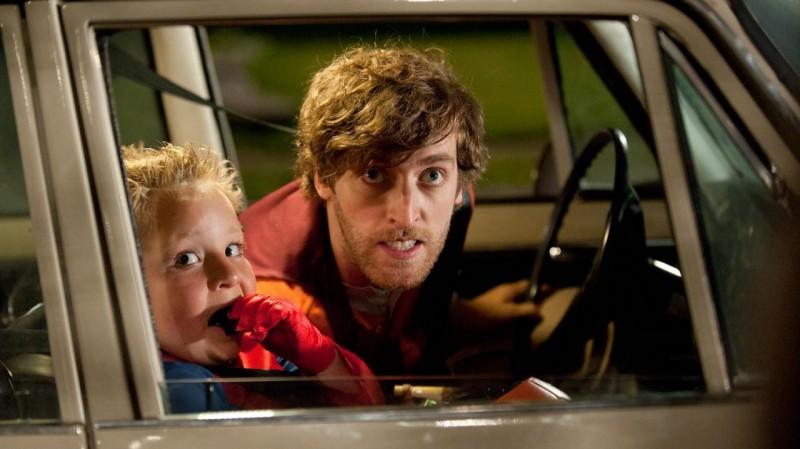 Jackson Nicoll con Thomas Middleditch nella commedia Fun Size