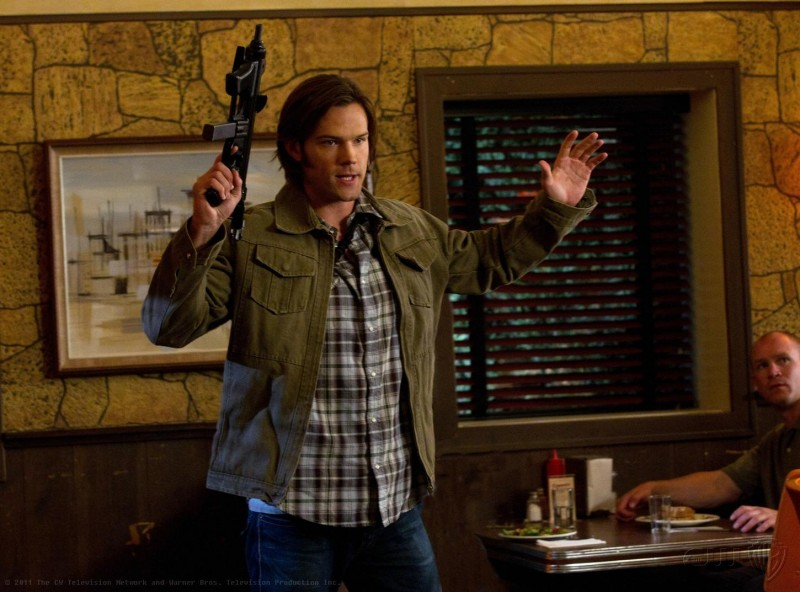 Jared Padalecki in una scena dell'episodio Slash Fiction della settima stagione di Supernatural