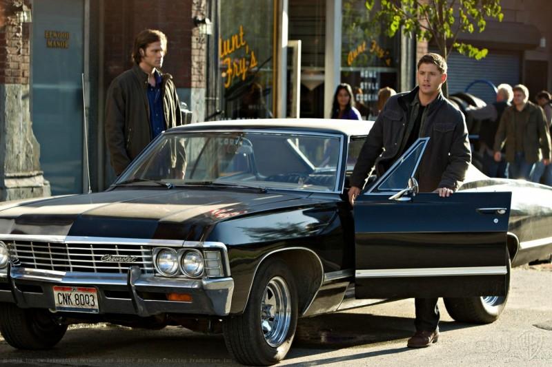 Jensen Ackles e Jared Padalecki in una scena dell'episodio Clap Your Hands If You Believe della sesta stagione di Supernatural