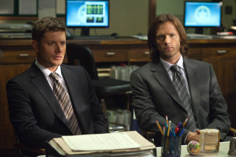 Jensen Ackles e Jared Padalecki in una scena dell'episodio Heartache dell'ottava stagione di Supernatural