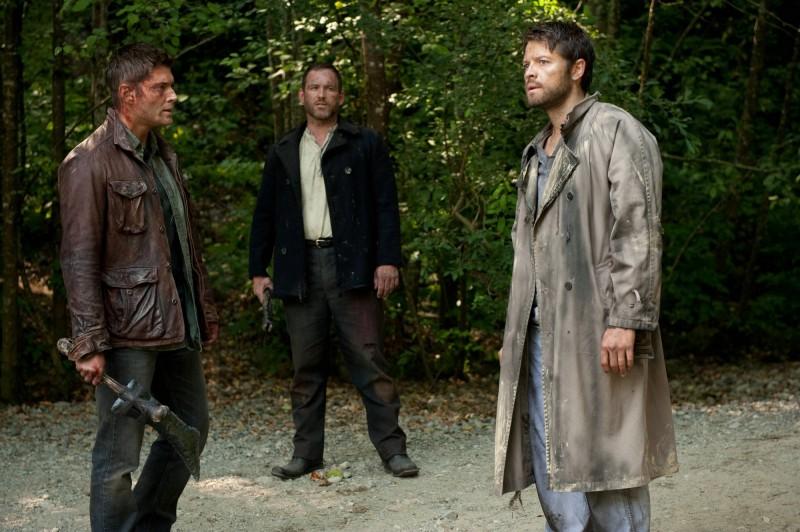 Jensen Ackles, Misha Collins e Ty Olsson nell'episodio What's Up, Tiger Mommy? dell'ottava stagione di Supernatural