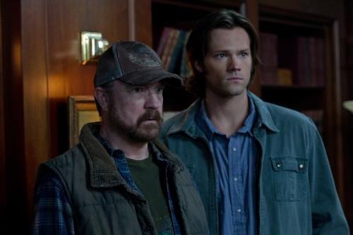 Jim Beaver e Jared Padalecki nell'episodio Meet The New Boss della settima stagione di Supernatural