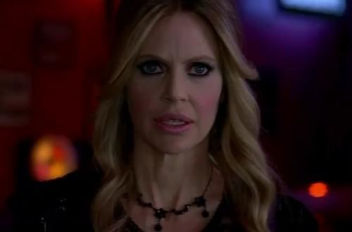 Kristin Bauer van Straten in una scena dell'episodio We'll Meet Again della quinta stagione di True Blood