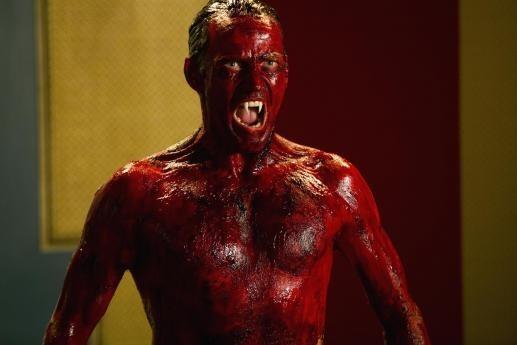 Stephen Moyer in una scena dell'episodio Save Yourself della quinta stagione di True Blood