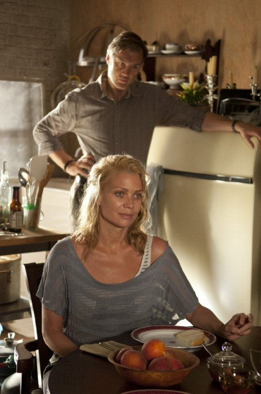 The Walking Dead: Laurie Holden e David Morrissey in una scena dell'episodio Benvenuti a Woodbury