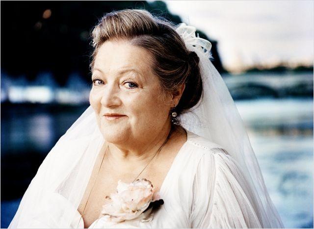 Omamamia: Marianne Sägebrecht in abito da sposa