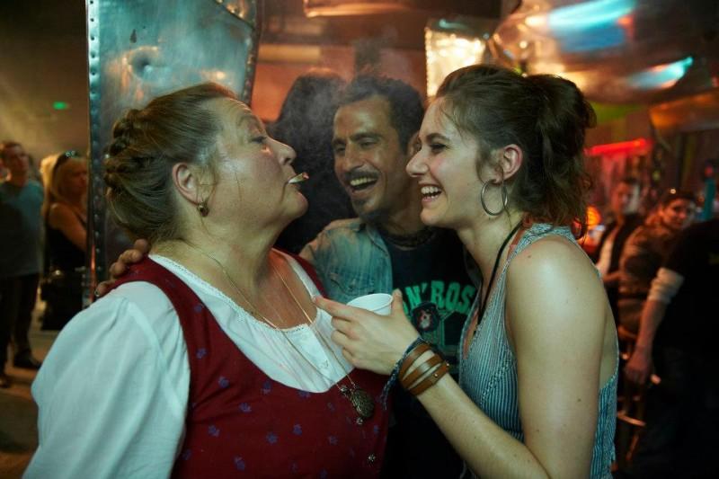 Raz Degan in Omamamia con Miriam Stein e Marianne Sägebrecht