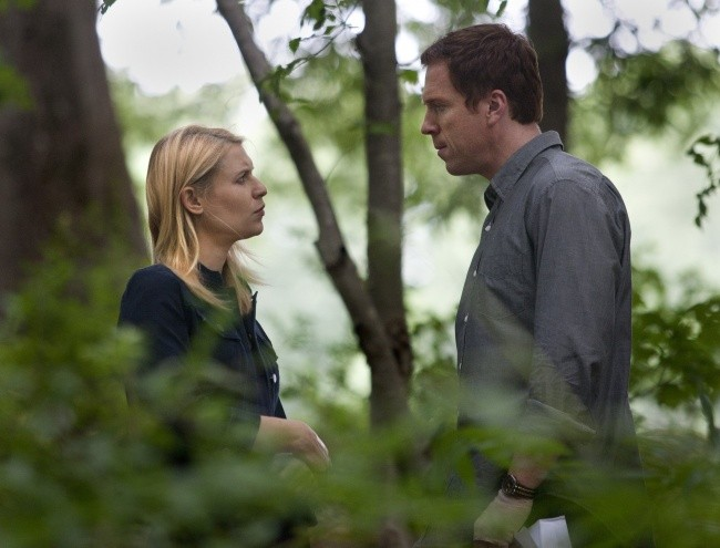Damian Lewis e Claire Danes in una scena dell'episodio The Clearing della serie TV Homeland