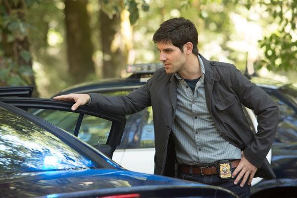 David Giuntoli in una foto promozionale dell'episodio La Llorona della serie TV Grimm