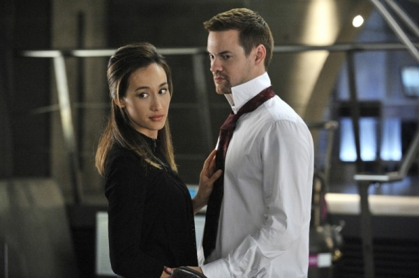 Maggie Q  insieme a Shane West in una scena dell'episodio The Sword's Edge della serie televisiva Nikita