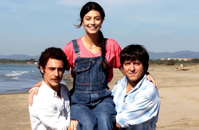 Elio Germano, Alessandra Mastronardi e Richy Memphis sul set de L'ultima ruota del carro