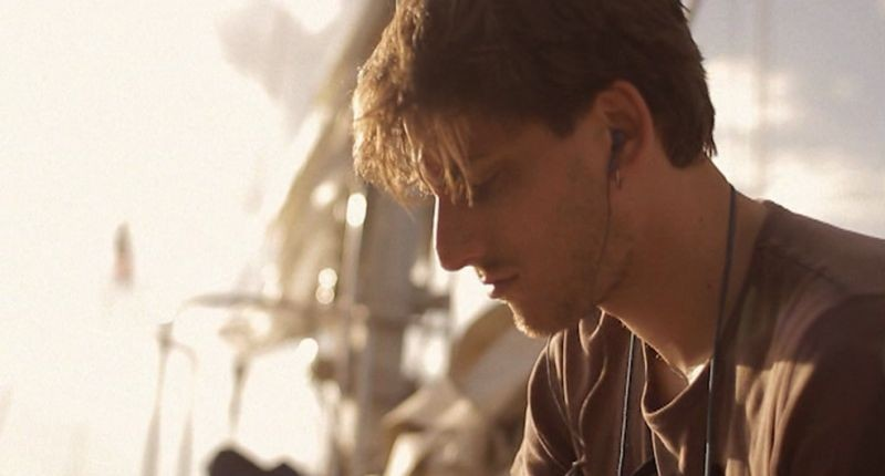 Waves: Luca Marinelli in una scena del film