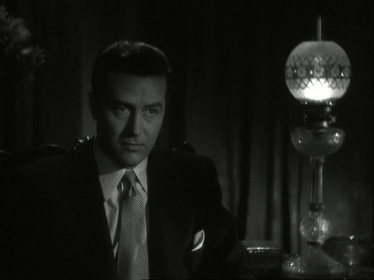 La casa sulla scogliera: Ray Milland in una sequenza del film