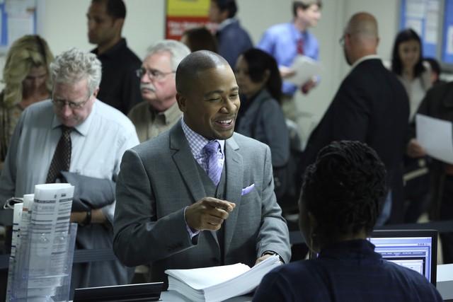 Columbus Short in una scena dell'episodio Hunting Season della seconda stagione di Scandal