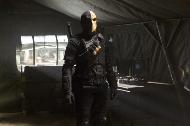 Jeffrey Robinson in una scena dell'episodio Damaged della prima stagione della serie televisiva Arrow