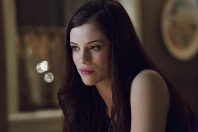 Jessica De Gouw in una scena per l'episodio Muse of Fire della prima stagione di Arrow