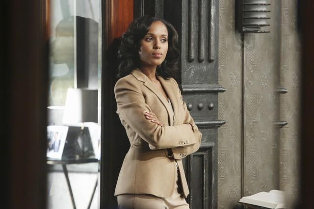 Kerry Washington in una scena dell'episodio White Hat's Off della seconda stagione di Scandal