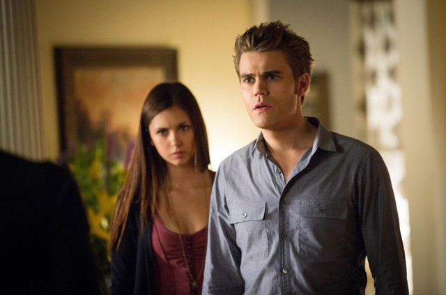 Paul Wesley e Nina Dobrev in una scena dell'episodio The Killer della quarta stagione di The Vampire Diaries