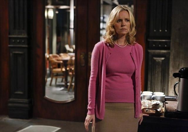 Sarah Aldrich in una scena dell'episodio Spies Like Us della seconda stagione di Scandal