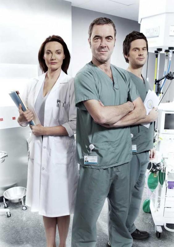 Monroe: James Nesbitt, Sarah Parish e Tom Riley in una foto promozionale della serie